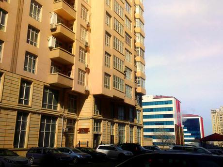 3 otaqlı yeni tikili - Nəsimi r. - 135 m²