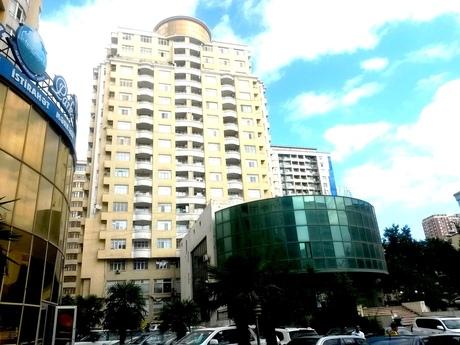 5-комн. новостройка - м. Сахиль - 350 м²