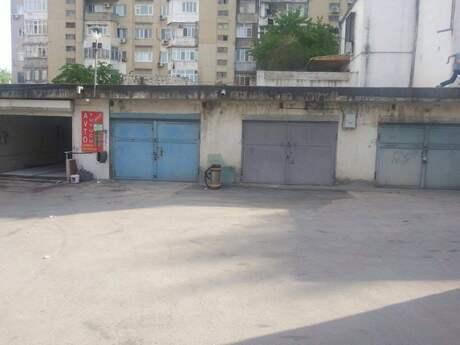 Qaraj - 9-cu mikrorayon q. - 30 m²