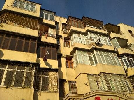 3 otaqlı köhnə tikili - Memar Əcəmi m. - 120 m²