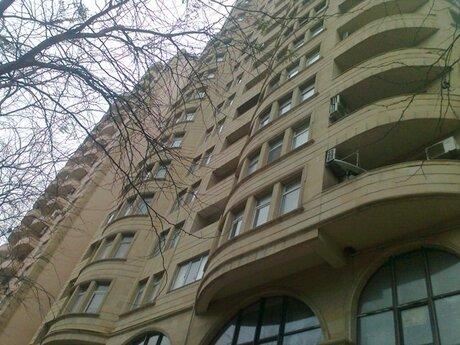 Obyekt - 28 May m. - 300 m²