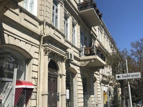 4 otaqlı köhnə tikili - İçəri Şəhər m. - 172 m²
