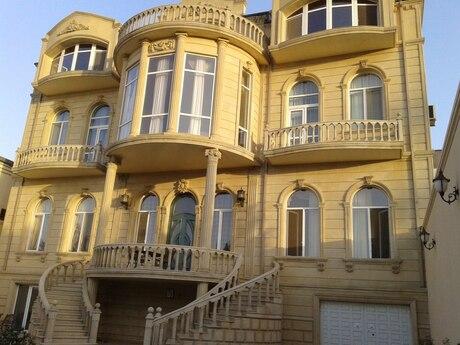 7 otaqlı ev / villa - Səbail r. - 675 m²