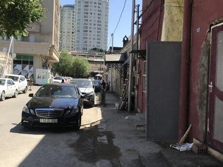 2 otaqlı köhnə tikili - 28 May q. - 32 m²