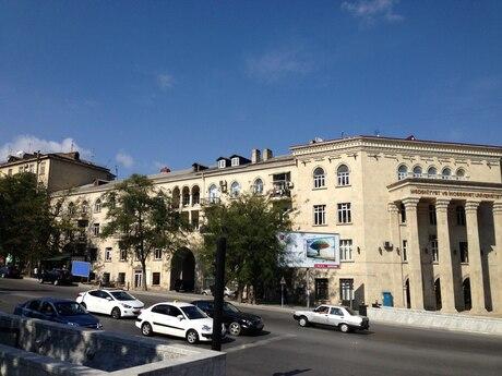 3 otaqlı köhnə tikili - Elmlər Akademiyası m. - 140 m²