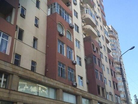 4-комн. новостройка - м. Проспект Азадлыг - 200 м²