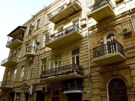 4 otaqlı köhnə tikili - Sahil m. - 213 m²