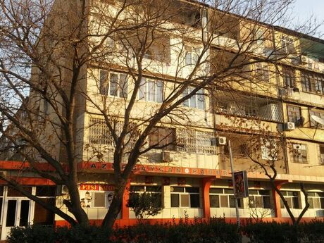 2 otaqlı köhnə tikili - Qara Qarayev m. - 48.9 m²