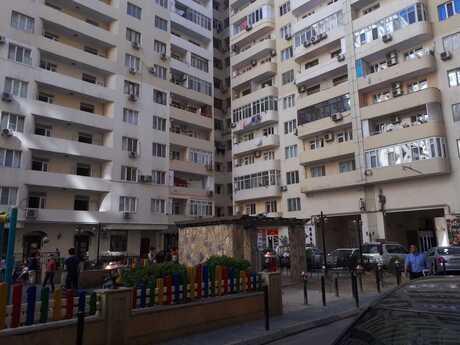 4-комн. новостройка - м. Бакмил - 155 м²
