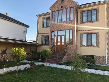 8 otaqlı ev / villa - Buzovna q. - 360 m²