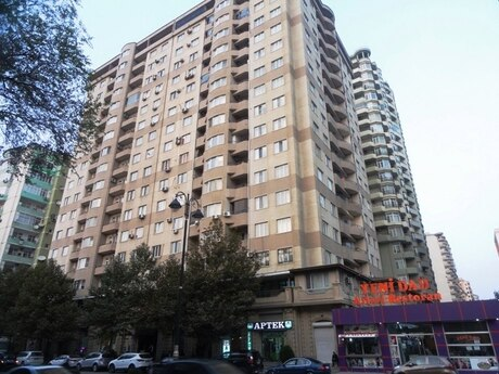 2-комн. новостройка - Насиминский  р. - 82 м²