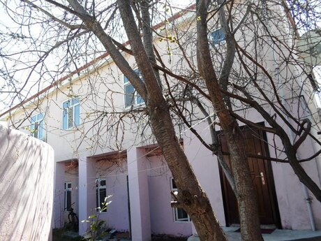 8 otaqlı ev / villa - Azadlıq Prospekti m. - 200 m²