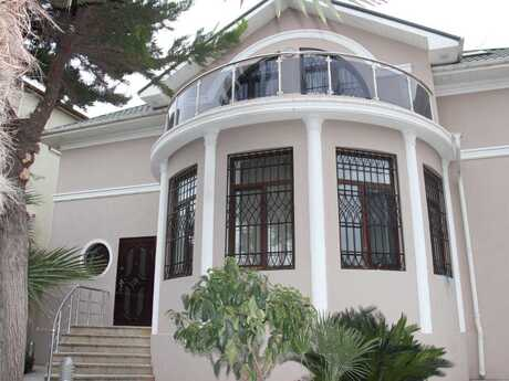 9 otaqlı ev / villa - Bakıxanov q. - 565 m²