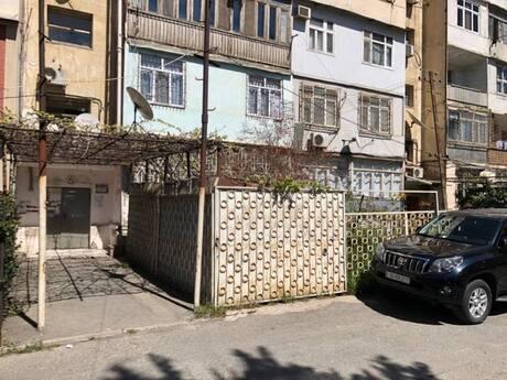1 otaqlı köhnə tikili - 8-ci mikrorayon q. - 35 m²