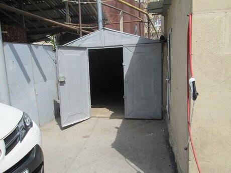 Qaraj - Yasamal q. - 18 m²