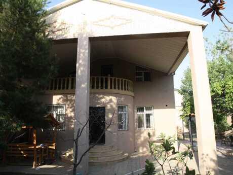 7 otaqlı ev / villa - Novxanı q. - 185 m²