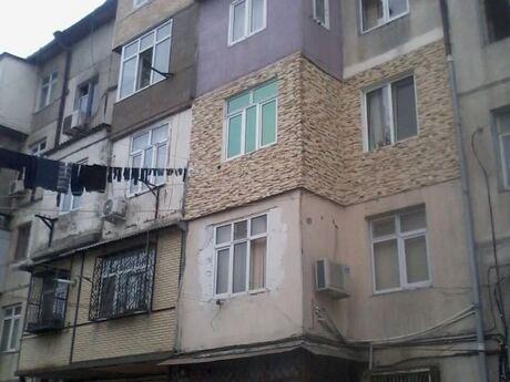 1 otaqlı köhnə tikili - 4-cü mikrorayon q. - 30 m²