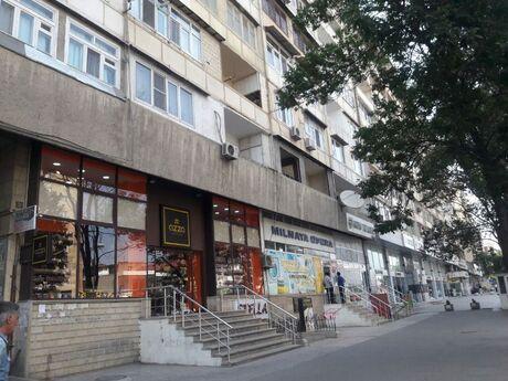 3 otaqlı köhnə tikili - İnşaatçılar m. - 105 m²