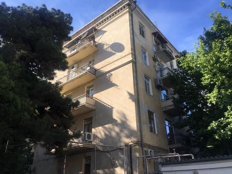 3 otaqlı köhnə tikili - İçəri Şəhər m. - 114 m²