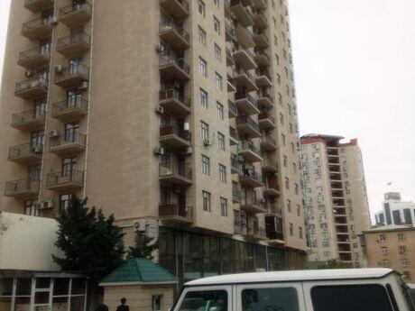 3-комн. новостройка - м. Эльмляр Академиясы - 125 м²