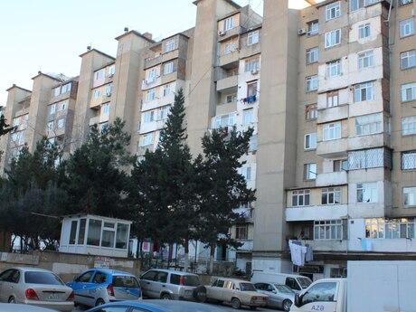 4-комн. вторичка - м. Ази Асланова - 130 м²