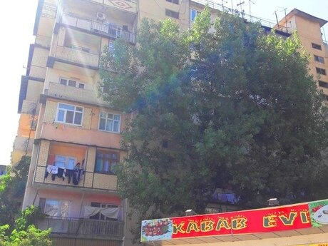 4 otaqlı köhnə tikili - Əhmədli m. - 83 m²