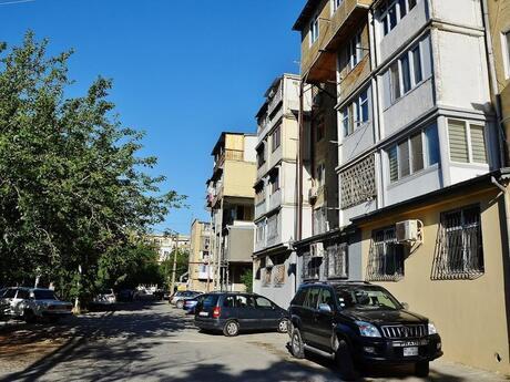 3 otaqlı köhnə tikili - 20 Yanvar m. - 45 m²