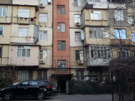 2 otaqlı köhnə tikili - Memar Əcəmi m. - 40 m²