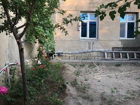 3 otaqlı köhnə tikili - Saray q. - 75 m²