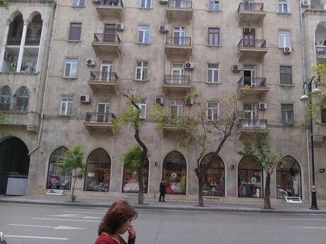 3 otaqlı köhnə tikili - Sahil m. - 90 m²