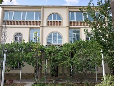 6 otaqlı ev / villa - Badamdar q. - 400 m²