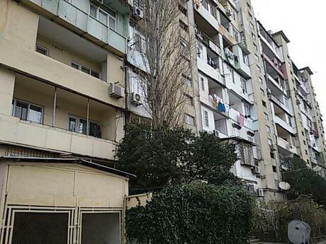 5 otaqlı köhnə tikili - İnşaatçılar m. - 120 m²