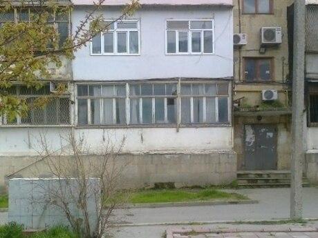 2-комн. вторичка - м. Нефтчиляр - 40 м²