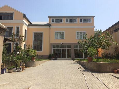 5 otaqlı ev / villa - Badamdar q. - 380 m²
