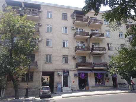 3 otaqlı köhnə tikili - 28 May m. - 67 m²