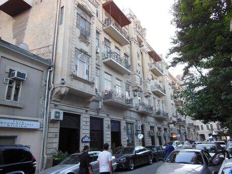 3 otaqlı köhnə tikili - Sahil m. - 120 m²