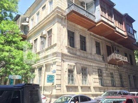 6 otaqlı köhnə tikili - Sahil m. - 210 m²
