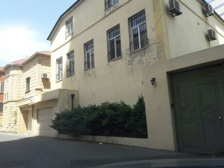 9 otaqlı ev / villa - 20 Yanvar m. - 360 m²
