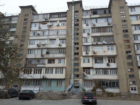 4 otaqlı köhnə tikili - Yeni Günəşli q. - 90 m²