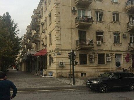 2 otaqlı köhnə tikili - Elmlər Akademiyası m. - 62 m²