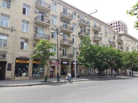3 otaqlı köhnə tikili - Yasamal r. - 66 m²