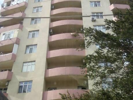 5 otaqlı yeni tikili - İnşaatçılar m. - 131 m²