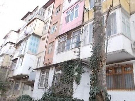 4 otaqlı köhnə tikili - Ələt q. - 90 m²