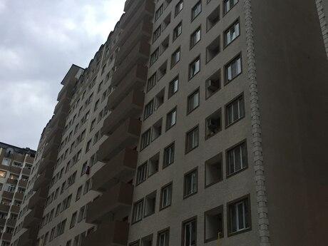 2-комн. новостройка - Абшеронcкий  р. - 60 м²