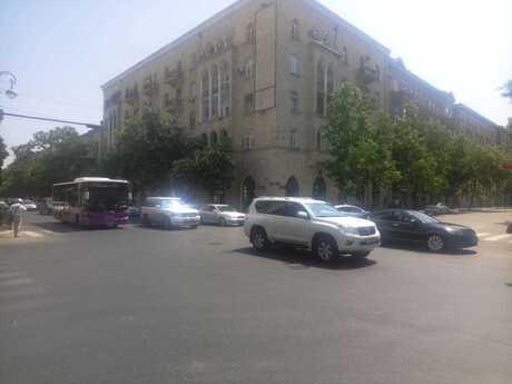3 otaqlı köhnə tikili - Sahil m. - 75 m²
