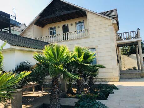 4 otaqlı ev / villa - Şüvəlan q. - 300 m²