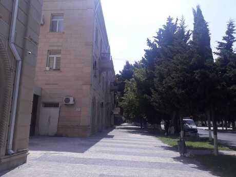 3 otaqlı köhnə tikili - Bakı - 65 m²