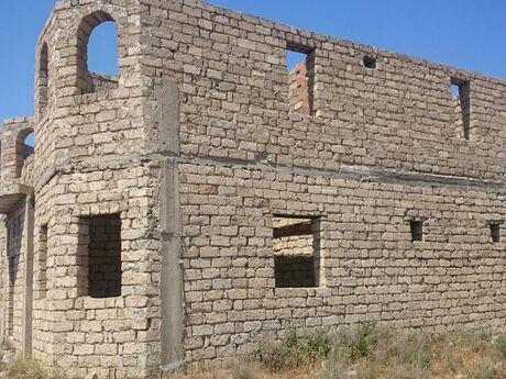 7 otaqlı ev / villa - Binə q. - 250 m²