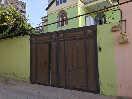7 otaqlı ev / villa - 7-ci mikrorayon q. - 200 m²