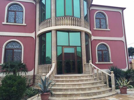 12 otaqlı ev / villa - Binə q. - 400 m²